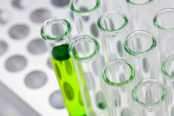 Инвестиции в биотехи. Как купить акции перспективной компании – и не облажаться