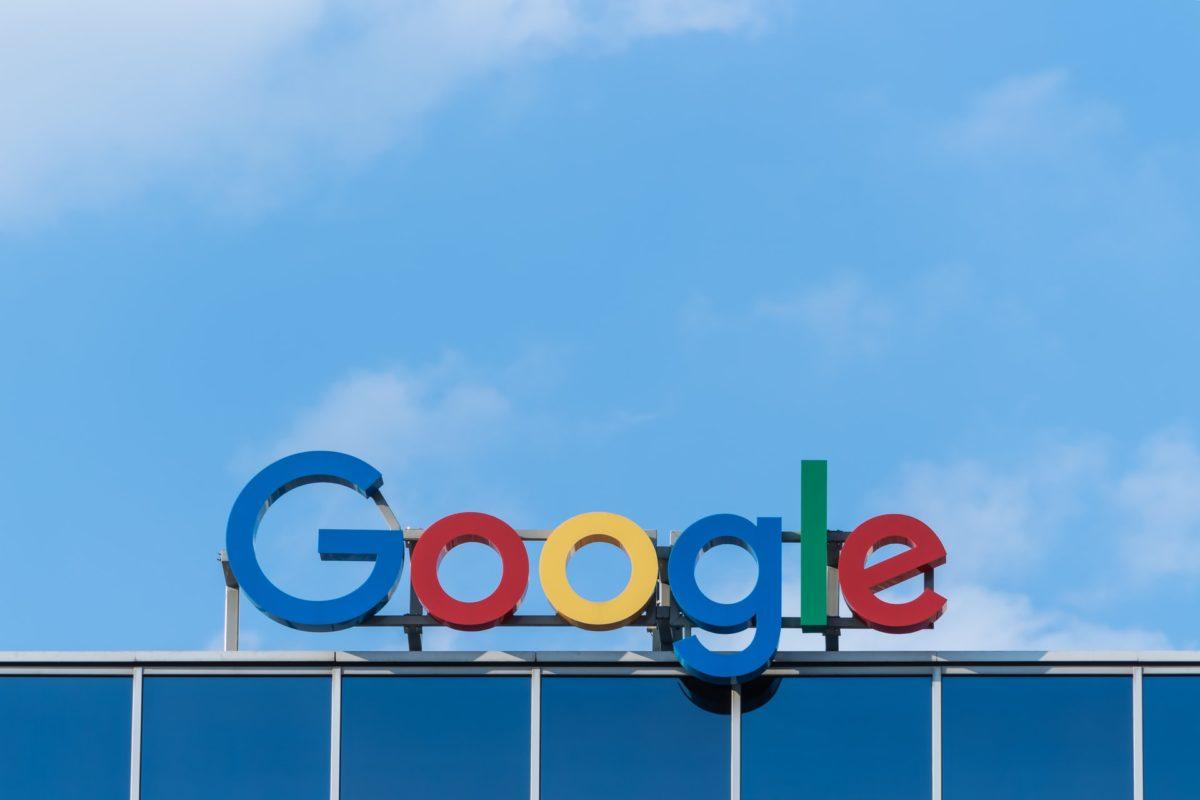 Байден наносит удар по Google и Facebook. Новый указ подрежет крылья гигантам фондового рынка